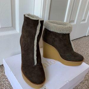 NIB Chloe shearling brown suede wedge booties 37.5